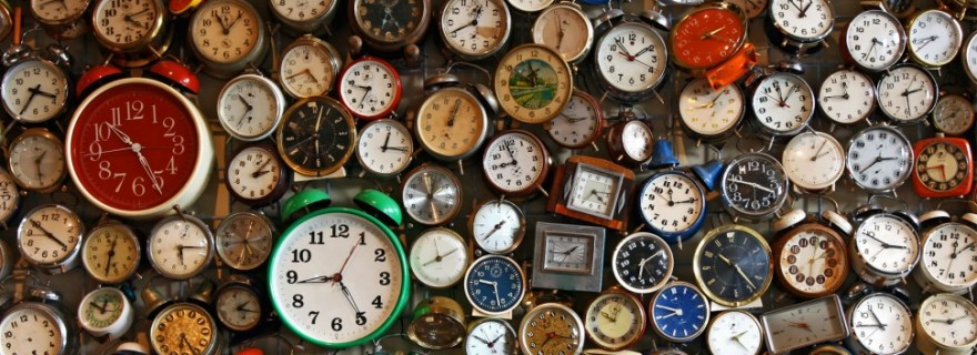 lots-of-clocks-1725x810_28340_32673